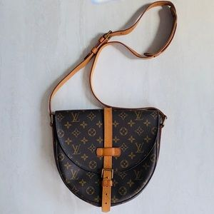 Louis Vuitton Chantilly GM Crossbody Shoulder Bag